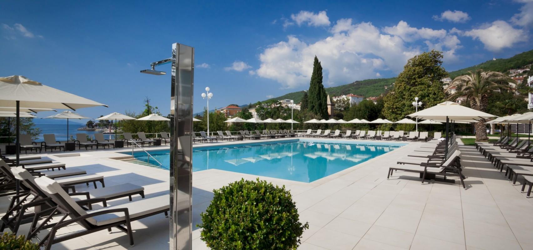 Villa ambasador opatija in croatia liburnia for Design hotel 5 sterne